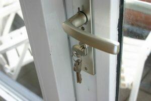 lock-the-door-1528893